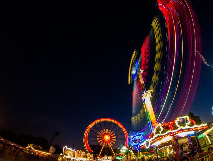 Fahrgeschäfte auf dem Sommerfest im Olympiapark, August 2015