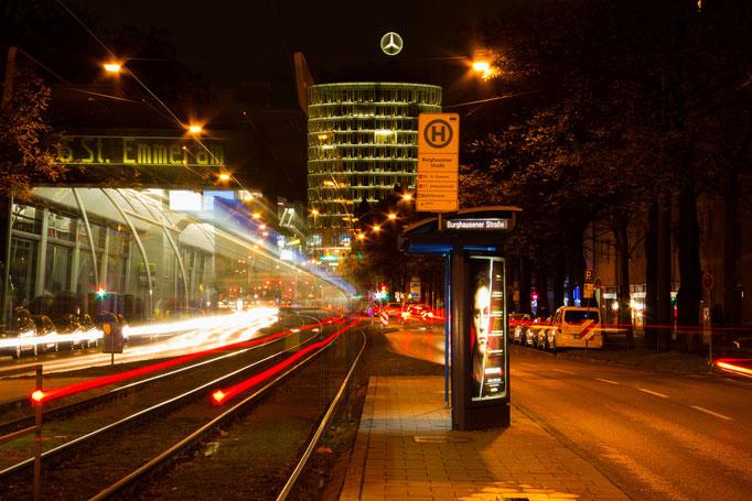 Trambahnhaltestelle in der Arnulfstraße, Dezember 2015