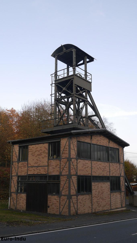 Fördergerüst des Julianenschachtes der Grube Lüderich in Bensberg. 1995 wurde es nach Wilsdorf verbracht