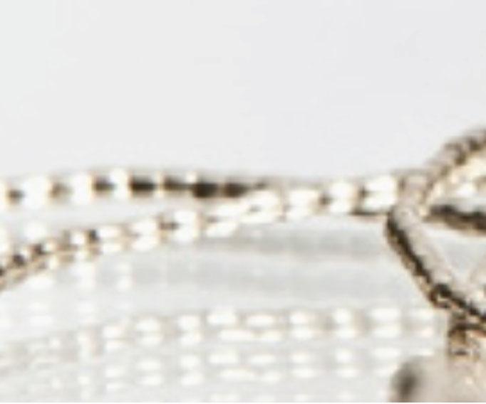 Wie Silberperlen an einer Schnur - filigrane Halskette