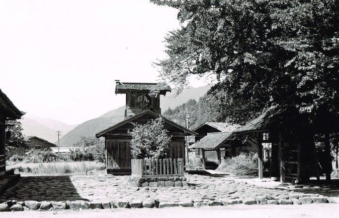 照蓮寺の太鼓堂