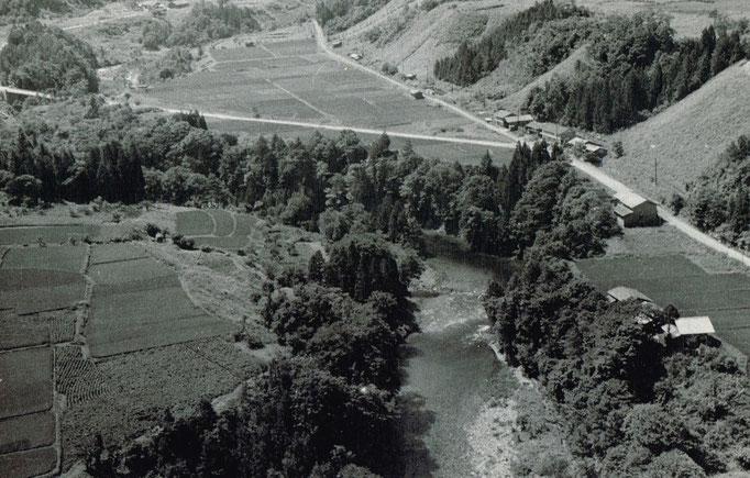 当時の地形がよく分かる写真