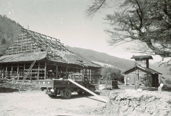 解体作業中の照蓮寺