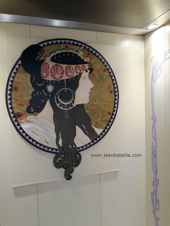 Portrait de femme style art nouveau sur contreplaqué marine