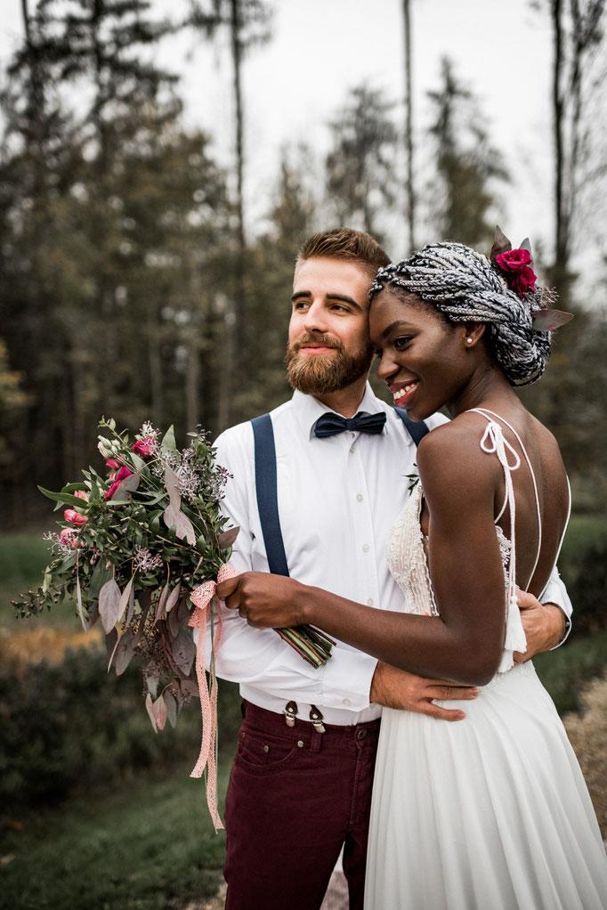 Hochzeitsfotograf Andreas Reiter aus Freising fotografiert Boho Hochzeit mit african Bride