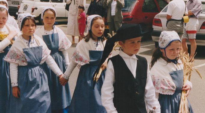 Avel Dro - Bagad Pagan - Abadenn Ar Vugale - 2002 - Châteaulin