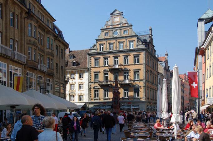 Terrasse auf der Fußgängerzone (rechts)