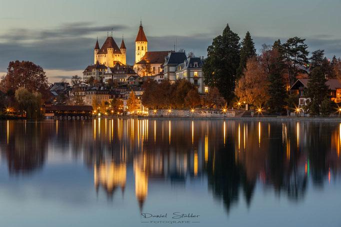Thunerschloss bei Nacht -N34-