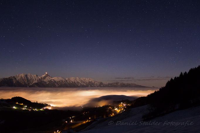 - Burning Fog -      Der Nebel wird von den Lichtern von Thun von unten Beleuchtet    -N11-