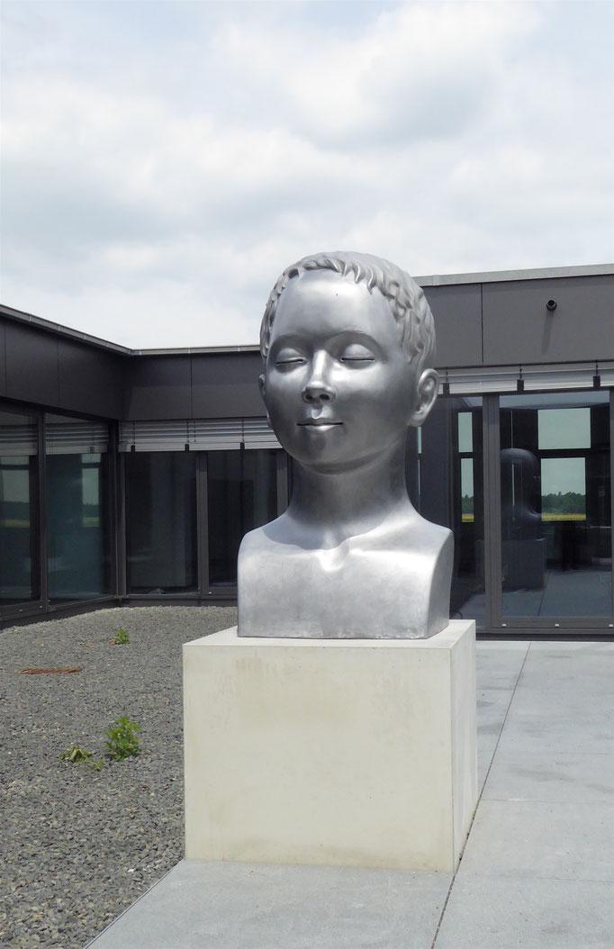 der Träumer, ca. 150x120x110cm, Aluguss, 2018