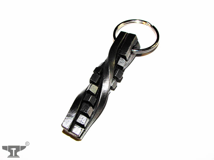 handgeschmiedeter Schlüsselanhänger