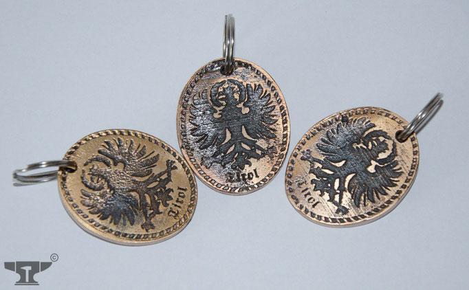aus Bronze gegossene Schlüsselanhänger mit Tiroler Adler