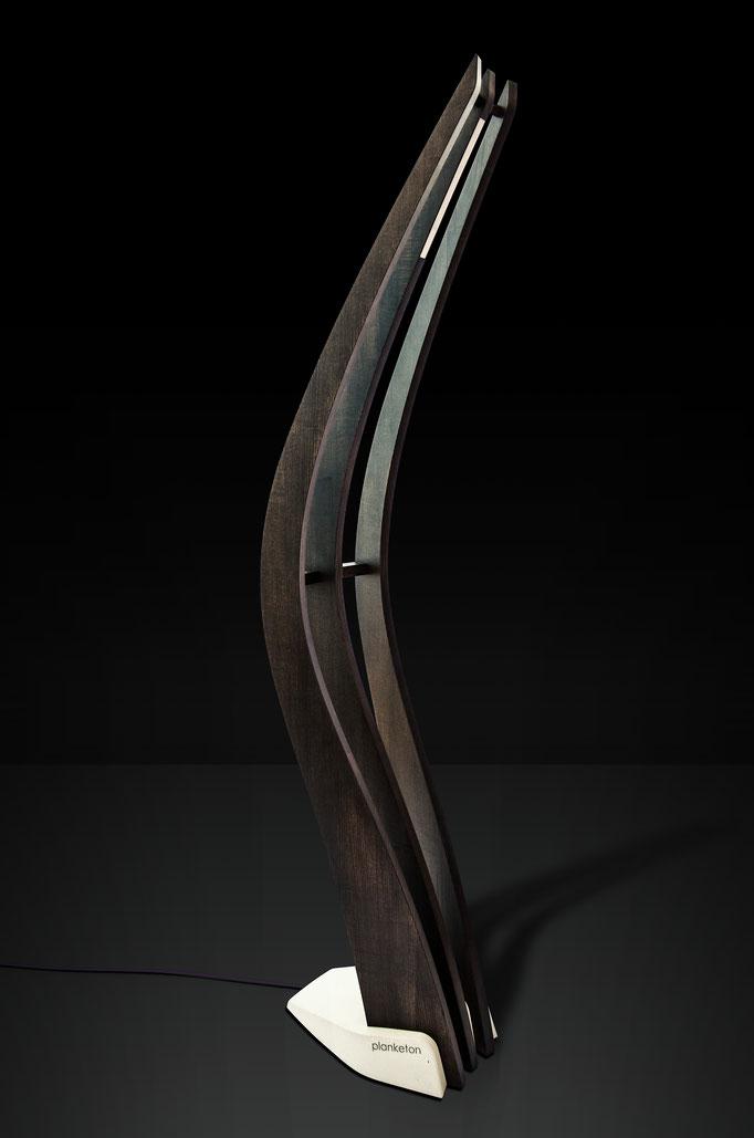 planketon aus Esche dunkel gebeizt mit weißem Fuß