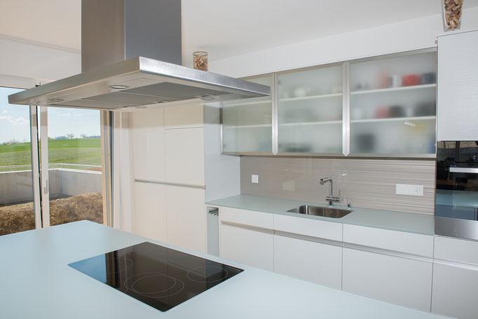 Küchenbau Kochinsel - Schreinerei Schmid AG in Oberönz