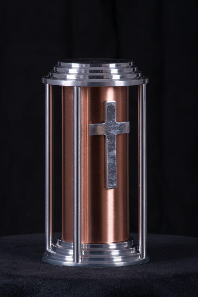"Astral, 5"" diametre x 9 "" haut, cuivre aluminium, 60 pouces cube, 350.00"