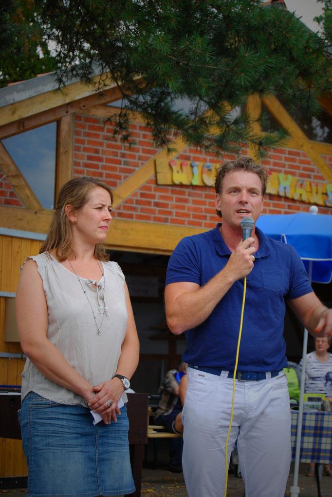 Offizielle Eröffnung mit 1. Vorsitzender Sarah Lindemann und Bürgermeister Christoph Fleischhauer