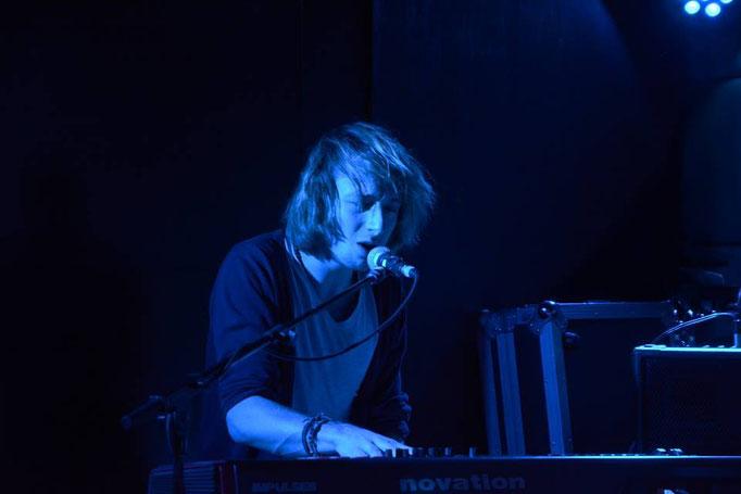 Joshua Aaron   ▲  Speelde ook op (Stoepkrijt, Appel Brasserie, Grote prijs van Nederland, 3FM, Paradiso, Radio 2, Patronaat)