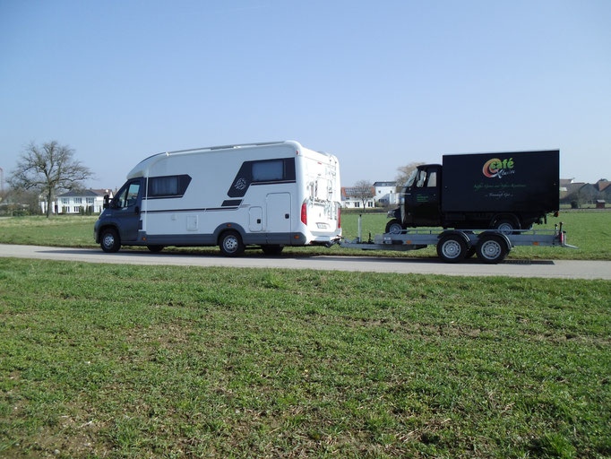 So kommen wir überall hin, auch zu mehrtägigen Events mit unserem Piaggio APE