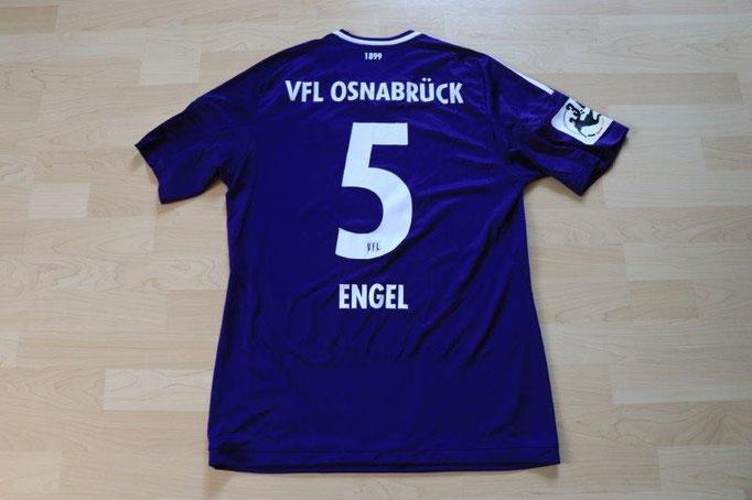 VfL Osnabrück 2017/18 Heim, L+T Patch (wurde nur in den Vorbereitungsspielen getragen), Nr. 5 Engel (Matchvorbereitet)