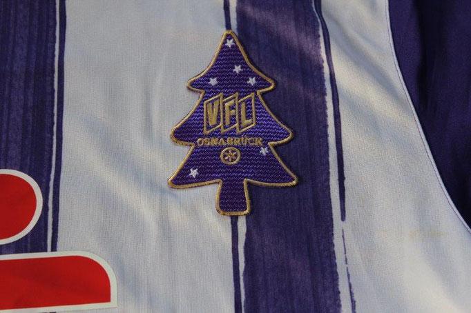 VfL Osnabrück 2010/11 Heim, Weihnachtsbaumtrikot (19.12.2010 - Ingolstadt) Nr. 5 Gorka mit Autogrammen (Matchvorbereitet)