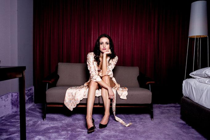 Lingerie by Versace Intimo Vintage & Speidel - Photoproduction by Melina Johannsen - Styling by Melina Johannsen - Model: Alina Kükenshöner
