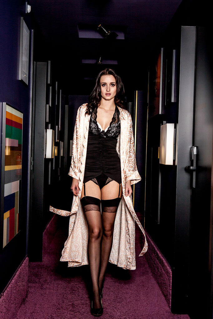 Lingerie by Versace Intimo Vintage, Speidel lingerie & Leg Avenue - Photoproduction by Melina Johannsen - Styling by Melina Johannsen - Model: Alina Kükenshöner