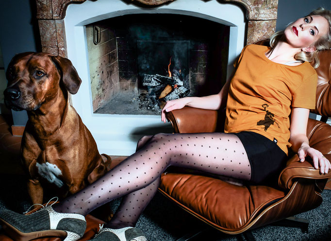 Photoproduction & Styling by Melina Johannsen with eco fashion from Green Shirts,  Alina Schuerfeld shoes, Inti Ferreira and Swedish Stockings / Eco Cosmetic: Couleur Caramel - Model: Nina T.