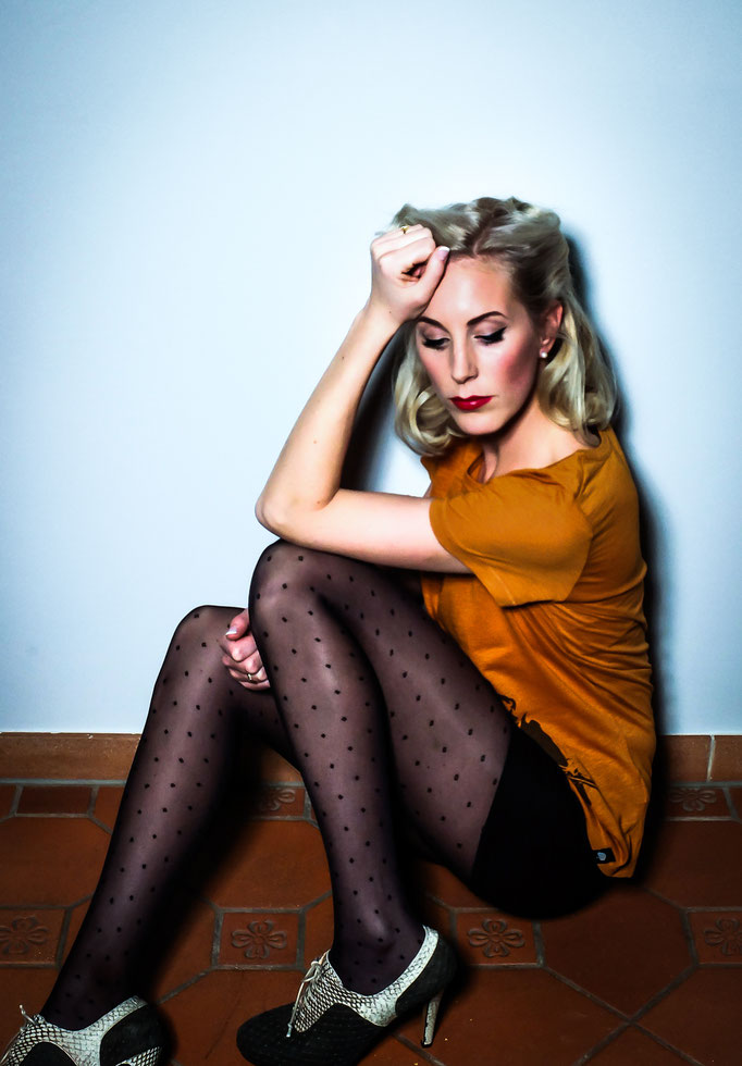 Photoproduction & Styling by Melina Johannsen with eco fashion from Green Shirts,  Alina Schuerfeld shoes, Inti Ferreira and Swedish Stockings / Eco Cosmetic: Couleur Caramel - Model: Nina Trolle
