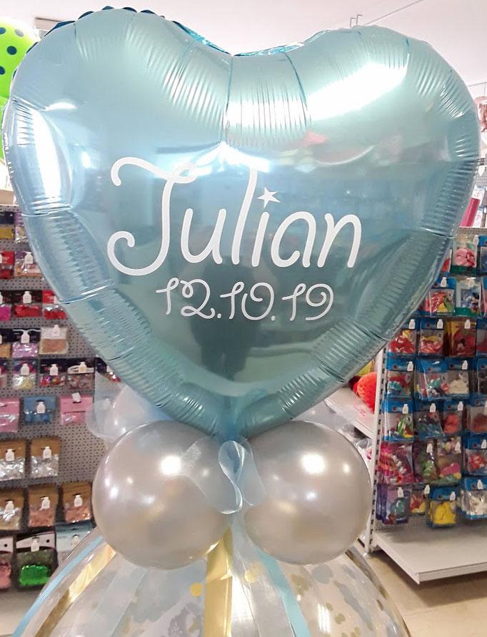 Sie wollen einen ganz persönlichen Ballon verschenken? Klar. Mit individueller Beschriftung mit Namen und Geburtsdatum. Garantiert eine riesige Wertschätzung der frischgebackenen Eltern!