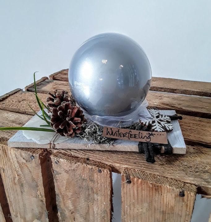Winterfeeling. Handarbeit vom Ballonladen. Dieses Dekogeschenk ist ein Unikat. Das tolle: Sie können hierin ein Geldgeschenk verpacken lassen.