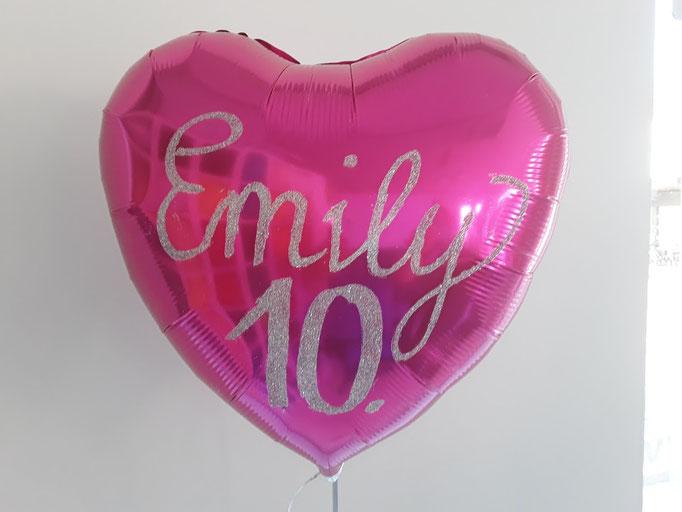 Ballonbeschriftung mit Folienplott zum 10. Geburtstag auf pinken Folienherzballon. Schriftart und Text wird als Unikat nach Ihrem Wunsch gefertigt. Bitte mindestens 3 Tage vorbestellen.