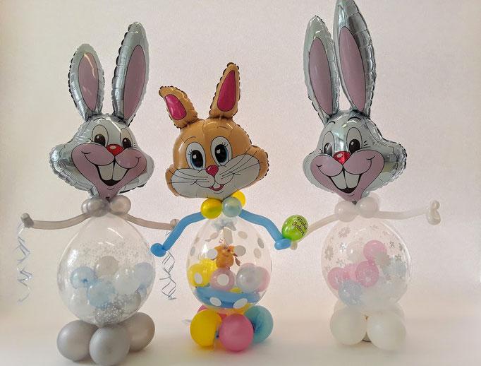 Zu Ostern direkt vom Osterhasen ein Geschenk bekommen... Das ist der Traum eines jeden Kindes. Lassen Sie ihn wahr werden und verschenken Sie einen Osterhasen, dessen dicker, runder Bauch mit einem Geschenk befüllt ist.