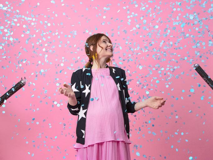 KONFETTI! Super auch als Ergänzung zum großen schwarzen Überraschungsballon der Genderparty geeignet. Blaues oder pinkes Konfetti? Lassen Sie sich überraschen.