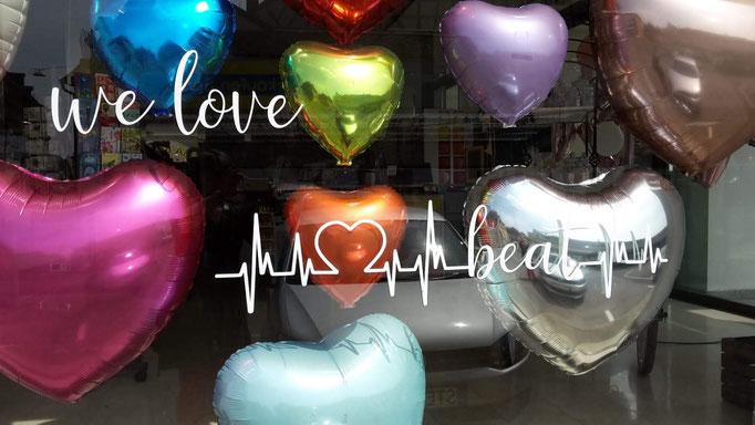 Herzen  in vielen Farben und Größen. Zum Valentinstag, Muttertag, Hochzeit oder jedem anderen besonderen Anlass.