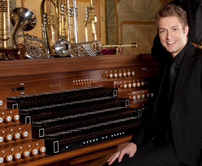 an der Orgel der ehem. Klosterkirche Ebrach