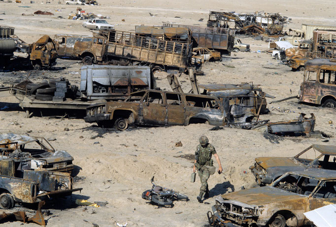 Francesco Cito -  Gulf War, Vehicles destroyed Highway - Kuwait 1991