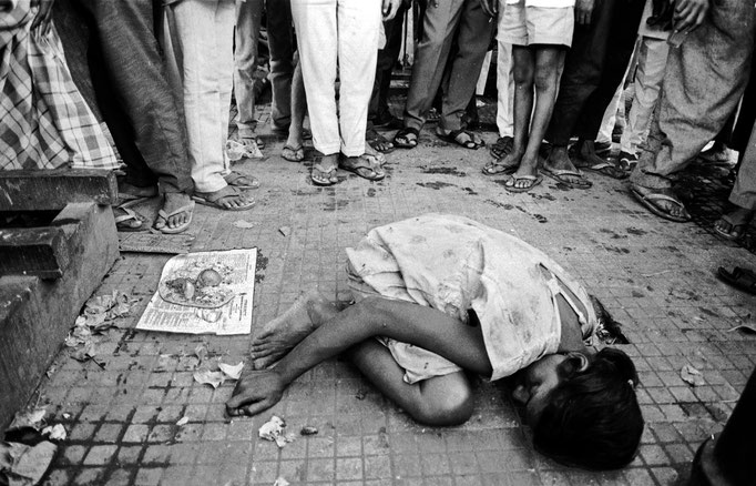 Bombay (India), bambini di strada/street children, 1991