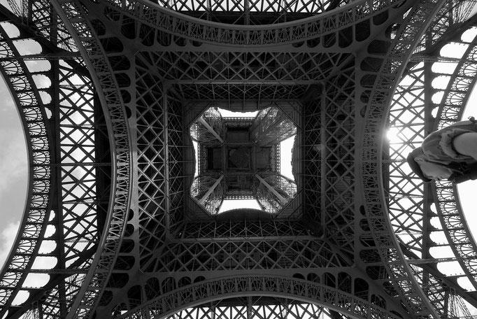 Luca Cortese - L'armèe à la Tour Eiffel, 2011