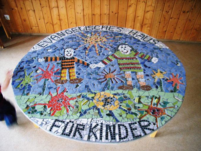 Auftragsarbeit Evangelicher Kindergarten Hersbruck, Durchmesser 2 m, Roswitha Farnsworth