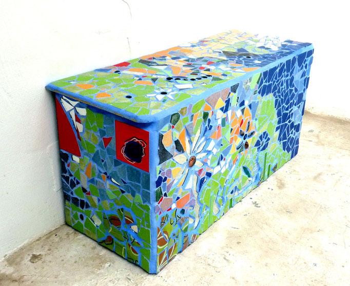 Gartenbank für Innen und Außen, Mosaik Roswitha Farnsworth