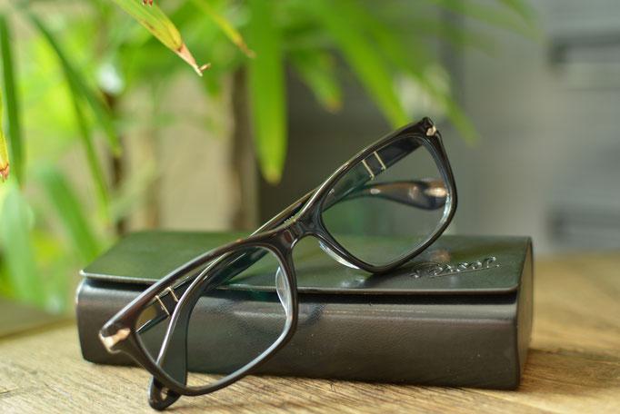 ②フレーム:Persol C-95 税抜32,000円 レンズ:Ito Lens アクロライト1.60薄型オーダーメイド内面非球面レンズ 税抜17,000円 仕上がり価格 税抜49,000円