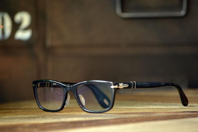 ③フレーム:Persol C-95 税抜32,000円 レンズ:Ito Lens アクロライト1.60薄型オーダーメイド内面非球面レンズ 税抜17,000円 仕上がり価格 税抜49,000円