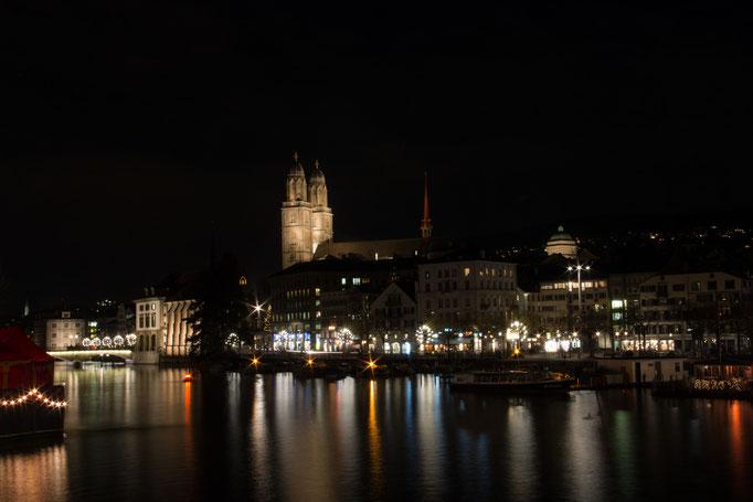 Zürich mit Blick aufs Grossmünster (1297)