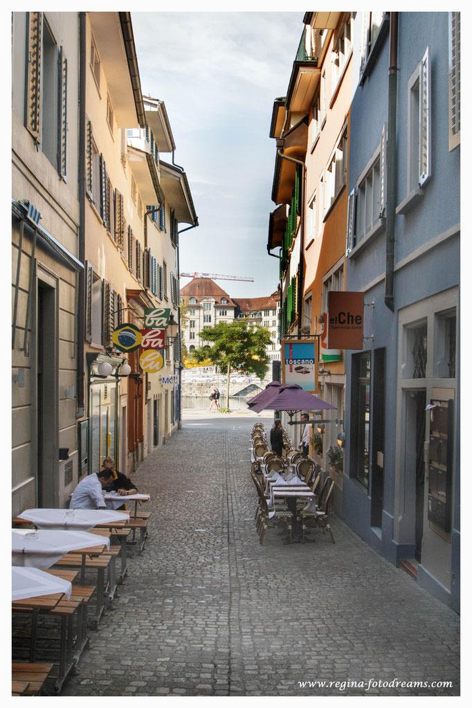 Seitengässchen im Niederdorf (6192)