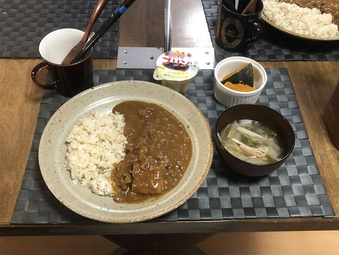 3月5日金曜日、Ohana朝食「カレーライス、かぼちゃの煮物、オニオンスープ、プリン」