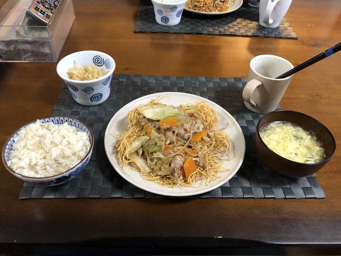 5月30日土曜日、Ohana夕食「皿うどん、たまごあんかけスープ、もやしのナムル」