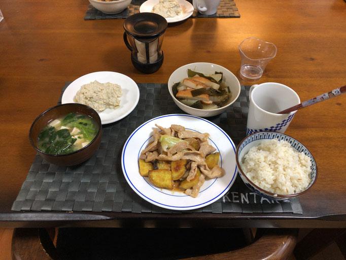 5月21日水曜日、Ohana夕食「豚肉とさつま芋の甘辛炒め、茄子の白和え、大根と昆布とさつま揚げの煮物、みそ汁」
