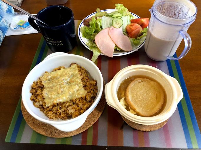 6月16日日曜日、Ohana朝食「カレードリア、オニオングラタンスープ、サラダ」