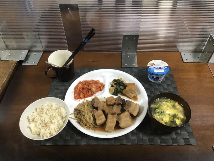 6月5日土曜日、Ohana夕食「スペアリブ味の焼豚、もやし炒め(スペアリブ味)、厚揚げとチンゲン菜のオイスターソース炒め、キムチ、たまごスープ、ヨーグルト」