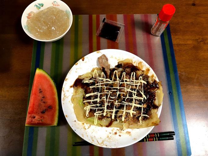 8月4日日曜日、Ohana夕食「お好み焼き(豚肉、きゃべつ、玉葱)、ところてん、すいか(Ohana畑産)」